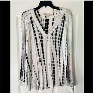 Gibson Latimer comfy and cute top! Like new SZ M